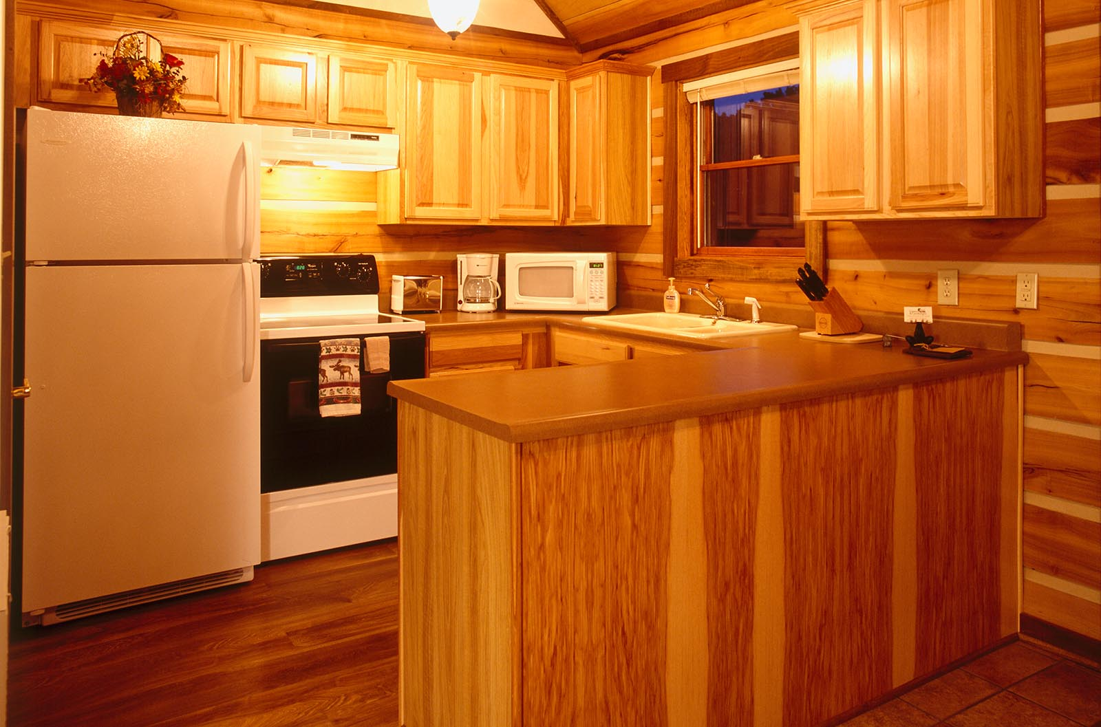 Full size kitchen at Cabins & Candlelight